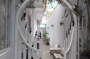 Cho thuê nhà trọ kiểu căn hộ đầy đủ tiện nghi, ngay trung tâm Q.Bình Thạnh. LH cô Ba: 0941452435