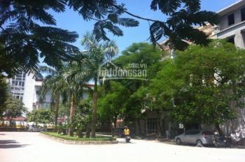 Chính chủ cần bán gấp căn biệt thự Văn Quán vị trí đẹp. DT 222m2 x 4 tầng thô giá 14 tỷ: 0903491385