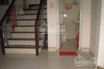 Cho thuê nhà riêng phố Lò Đúc cực đẹp 50m2 x 3 tầng, 3 phòng ngủ, đủ đồ, giá 9 tr/th