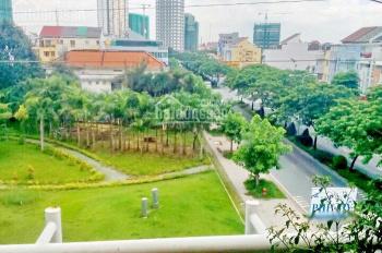 1200m2 đất thổ cư 100% mặt tiền đường Huỳnh Tấn Phát, Q7, giá 96 tr/m2 ngay ngã tư Nguyễn Thị Thập