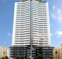 Cho thuê văn phòng tòa CEO Vinaconex 9 mặt đường Phạm Hùng DT 400m2 giá rẻ. LH: 0967.563.166