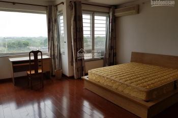 Bán nhà 5 tầng đang cho người nước ngoài thuê, nhà nằm trong ngõ 310 Nghi Tàm, Tây Hồ, Hà Nội