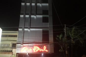 Cần cho thuê: nhà hàng karaoke (vẫn đang hoạt động) gồm 1 trệt, 3 lầu, 1 nhà để xe, có 9 phòng ca