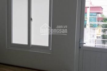 Chính chủ cho thuê chung cư mini phố Doãn Kế Thiện 1 phòng ngủ và PK. DT 38m2 đầy đủ đồ 5 tr/th