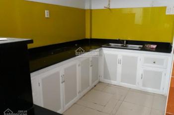 Cho thuê nhà nguyên căn, hẻm rộng gần đường chính full nội thất ở Phú Nhuận. LH: 0908 166 023