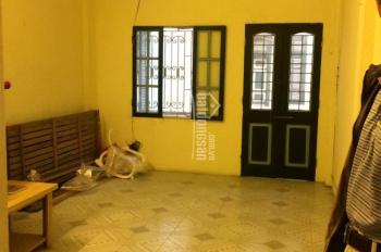 Cho thuê nhà riêng phố Phúc Tân, 45m2 x 3 tầng không đồ, giá 7tr/th cách phố 5m