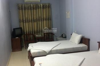 Chuyển nhượng nhà nghỉ đang kinh doanh tốt, mặt đường Hạ Long. LH: 0968048555