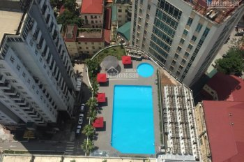 Bán căn hộ chung cư Hà Nội Center Point, căn góc view bể bơi, ban công Đông Nam, giá 37tr/m2