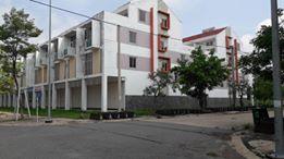 Nhà 1 trệt, 3 lầu, DT: 381m2, mặt tiền đường 16m, đối diện KCN, giá 1,4 tỷ