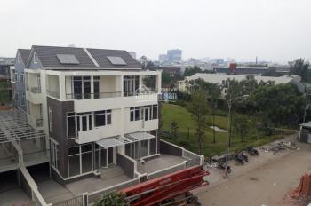 Căn biệt thự ngay CV 7000m2 7,4x18m (10.5 tỷ) nhà phố 5,2x20m (9,5 tỷ) ở ngay nhà mới giao thô