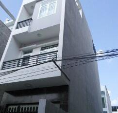Bán nhà đường Phạm Hữu Lầu, 4.5mx17m, 3 lầu, khu dân cư, giá 5.5 tỷ