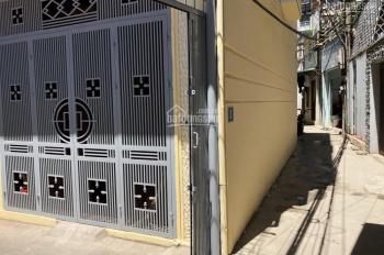 Bán nhà riêng 4 tầng, DT đất 30m2, 2 mặt ngõ phố Định Công, sổ đỏ chính chủ 2.35 tỷ