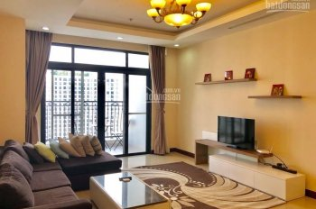 Chính chủ bán căn hộ chung cư R2 Royal City tầng 20, 112m2, 2PN sáng. Sổ đỏ CC, LHTT: 0896652965
