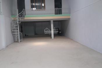 Tôi cần cho thuê gấp 2 kho nhỏ Q. 7, DT 140m2 & 160m2 tại đường Bùi Văn Ba & Phú Thuận, 0909628911