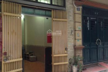 Nhà phân lô ngõ 9 Trần Quốc Hoàn 50m2 x 5 tầng, đường trước nhà rộng 6m