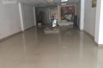 Cho thuê nhà mặt phố Nguyễn Trãi cạnh chợ Phùng Khoang, mặt tiền 7m, DT: 100m2 x 4 tầng, thông sàn