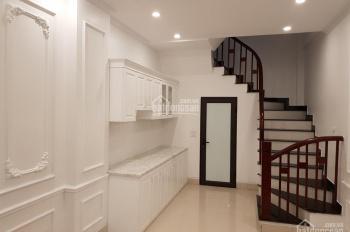 Bán nhà riêng 4 tầng, 1 tum, ngõ/ngách 640 đường Nguyễn Văn Cừ, Long Biên, HN, diện tích 30m2