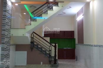 Bán nhà 4x8m, 1 lầu, 2PN, hẻm thông công viên, xe ba gác đường Bông Sao, P. 5, Q. 8, LH 0901364736
