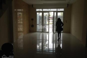 Chính chủ thuê căn liền kề hoàn thiện 4 tầng 82.5m2/ sàn giá thấp 0966658965