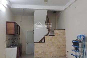 Bán nhà mặt ngõ đường Yên Hòa , DT 34m2 x 5 tầng mặt tiền 3,5m, giá 3.2 tỷ