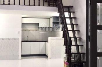 Bán nhà gấp đường Trần Xuân Soạn, hẻm nhỏ 1 trệt 1 lừng 1 lầu, nhà mới sửa đẹp, giá 2,7 tỷ