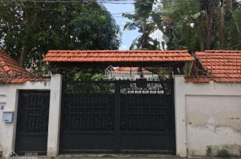 Cần bán biệt thự vip có sân vườn rộng tại Thảo Điền, quận 2, Hồ Chí Minh, LH 0902.308.610