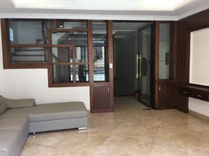 Bán nhà riêng Nguyễn Chí Thanh, Huỳnh Thúc Kháng, Đống Đa 70m2 x 5T còn mới, ngõ rộng 2 ô tô 10,8tỷ