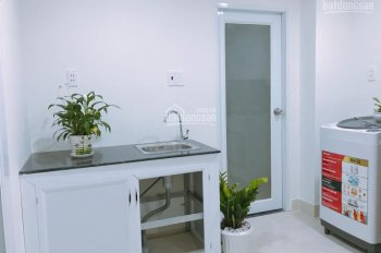 Phòng cao cấp đầy đủ tiện nghi có kệ bếp ngay CMT8, Bành Văn Trân 20m2, 5tr/th