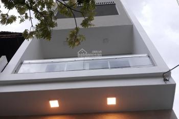 Cho thuê nhà 4,5 tầng hiện đại, có thang máy, máy lạnh đường Hải Phòng, gần Lê Duẩn