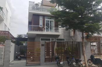 Bán biệt thự đường số 3 Jamona Đào Trí, Q7. DT: 9x18m, trệt, 2 lầu, giá 12 tỷ. LH: 0903 178 159