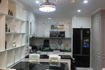 Cho thuê căn hộ Kingston 2 phòng ngủ, 2WC, DT 82m2 NTCB 15tr, full nội thất 18tr/th LH: 0901671233