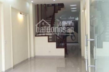 Bán nhà Tựu Liệt, Bằng B, DT 33m2, 5 tầng, ôtô đi qua nhà ngõ thông giá 2.05 tỷ, 0936109189