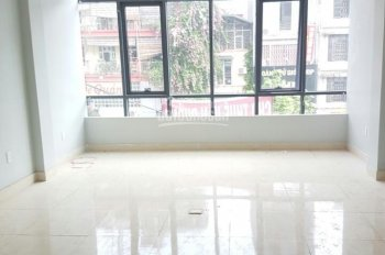 Cho thuê văn phòng mặt phố Vũ Phạm Hàm, vị trí đẹp ngay cầu 361, DT 80m2, MT 5m, LH: 0967 541 501