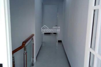 Bán nhà 1 trệt 1 lầu, ngay bệnh viện Chợ Rẫy 2, giáp Bình Tân, giá 1.7 tỷ