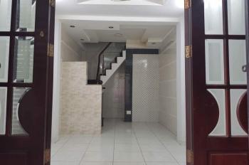 Chính chủ cần cho thuê nhà nguyên căn 868/1 Võ Văn Kiệt Phường 5 Quận 5. LH: 0902590734 (chính chủ)