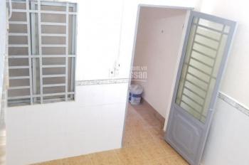 Phòng 20m2, 3 tr/th, có gác lửng, máy lạnh, WC riêng, mặt tiền đường gần sân bay Tân Sơn Nhất