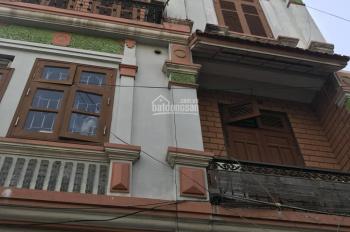 Bán nhà 42m2 x 4 tầng mặt phố Bồ Đề, Quận Long Biên, HN có thể KD. Giá 3.5 tỷ đồng
