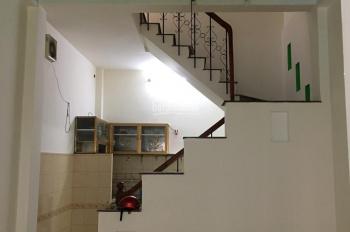 Bán gấp nhà 1 sẹc Lạc Long Quân, đường trước nhà 8m, P3, Q11, 1 trệt 2 lầu,4 tỷ7- lh Trí 0903992515