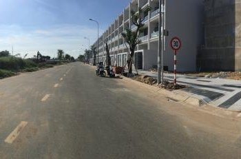 Bán gấp 2 nền đất MT Nguyễn Thị Nhung giá 30tr/m2. DT 100m2, SHR, thổ cư 100%, LH: 0906.873743 Nhã