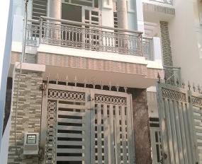 Bán nhà 1 trệt, 1 lầu, sát chợ Tân Liêm, sổ hồng riêng, 750 triệu. LH 0906 794 153