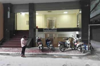 Cho thuê MBKD tầng 1 tòa văn phòng 8 tầng tại MP Nguyễn Khánh Toàn, Cầu Giấy. DT 55m2, 2 mặt tiền