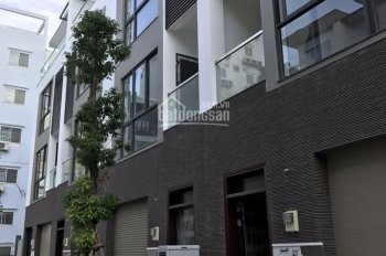 Nhà cho thuê nguyên căn hẻm 781/A Lê Hồng Phong thông qua Sư Vạn Hạnh, 0906918996 A Linh