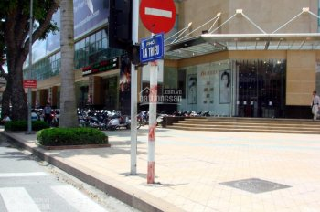 Bán đất mặt phố Bà Triệu, Hoàn Kiếm, 500m2, MT 18m rất đẹp, giá thương lượng trực tiếp