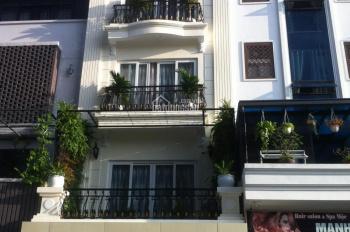 Cho thuê nhà Thảo Điền, 4x17m, 1 trệt 2 lầu, 3 PN, giá 20 triệu/tháng, LH: 0938026479