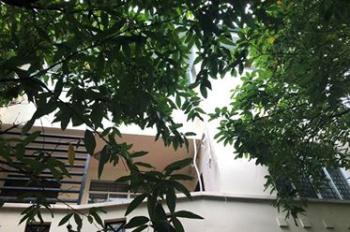 Chính chủ cần bán gấp siêu phẩm biệt thự sân vườn cực đẹp quận Phú Nhuận, 2 mặt tiền, nở hậu