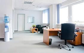 Cho thuê Officetel Gold View 80m2, nội thất cơ bản, giá thuê 16 triệu/tháng, có phòng riêng