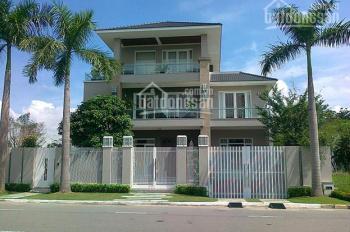 Chính chủ bán gấp biệt thự Phú Mỹ Hưng căn góc DT 10.5*18m, bán rẻ sổ hồng, call 0977771919