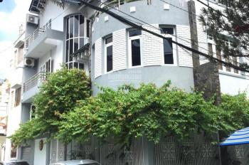 Bán nhà phố đường Nhật Tảo, P. 7, Q. 10, DT: 4x19m, 1 trệt 2 lầu, giá: 11.5 tỷ TL