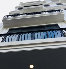 Bán toà nhà văn phòng mặt phố Quan Hoa, Nguyễn Khánh Toàn giá rẻ DT: 110m2, nhà xây 8 tầng