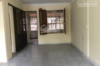 Bán căn hộ tập thể Dốc Thọ Lão, đường Lò Đúc, tầng 2, 45m2, 1.25 tỷ. Liên hệ 0903228267